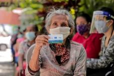 COVID19: entrega de cartões pré-pagos para ajuda a famílias mais vulneráveis em El Salvador