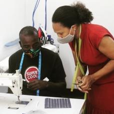 Formação em costura com fibras vegetais promovem sustentabilidade ambiental e de micronegócios em São Tomé