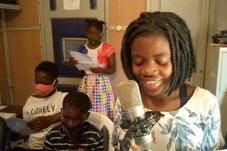 Programas de rádio para sensibilização nas comunidades: a alternativa face à COVID-19